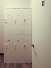 更衣室(ロッカールーム)